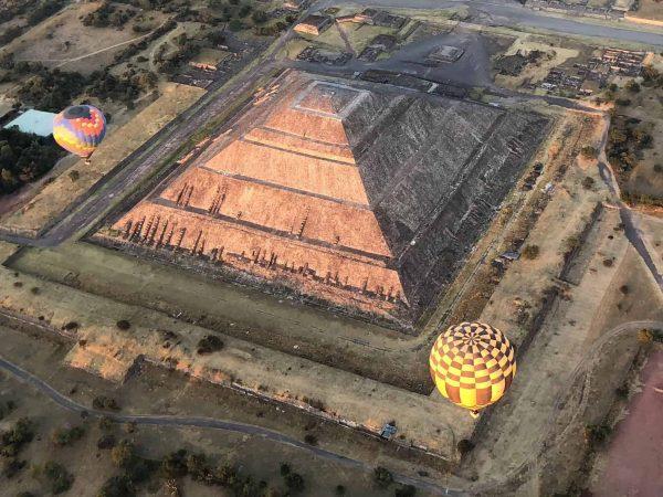 Vuelo Compartido con Transporte a Teotihuacán 3