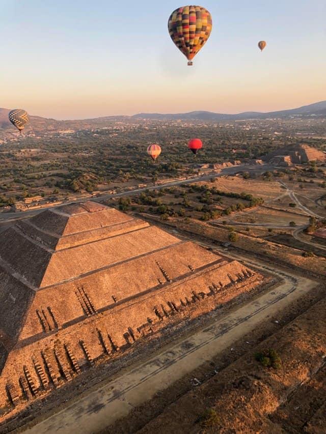 Vuelo Compartido con Transporte a Teotihuacán 2