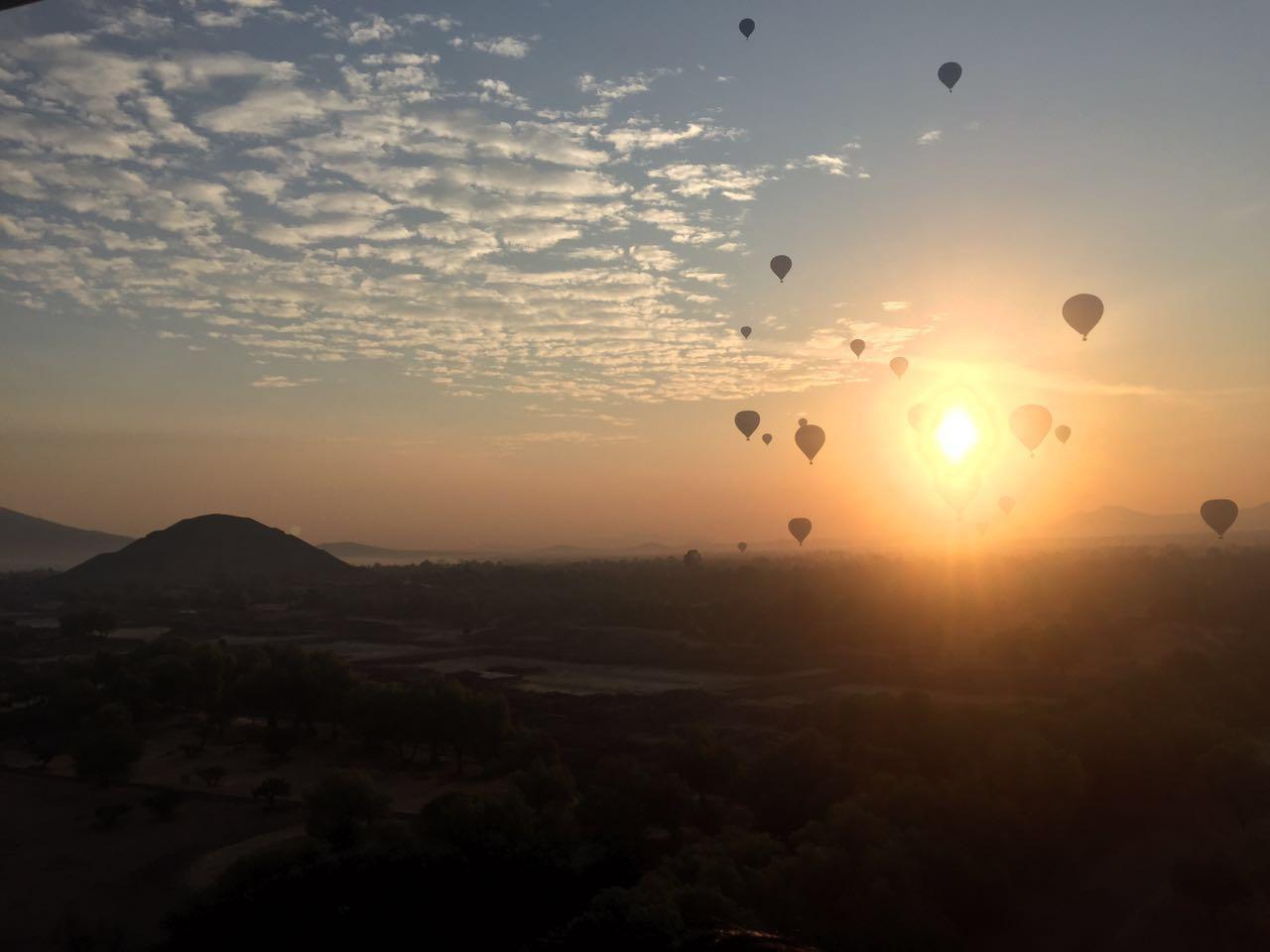 Vuelo al Amanecer en Teotihuacán