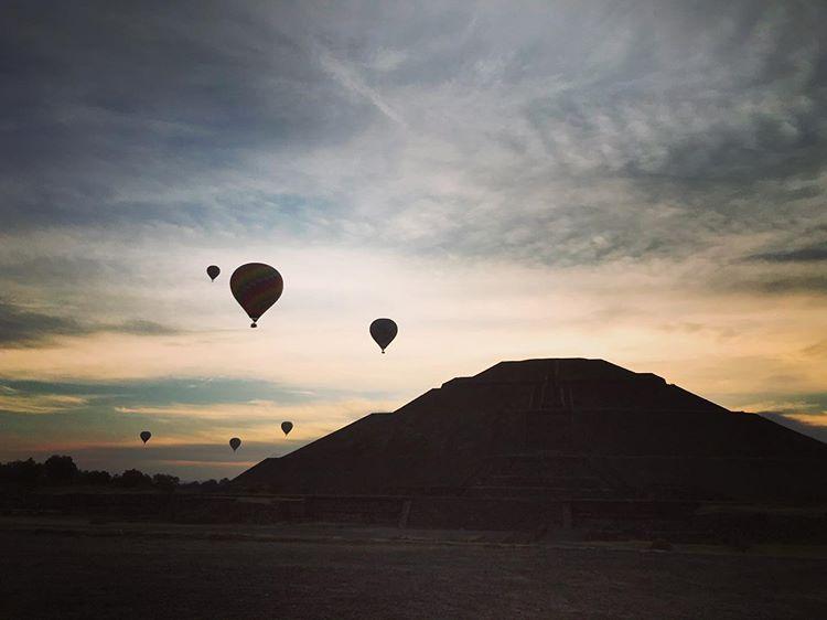 paaseo en globo pirámides de teotihuacan amanecer