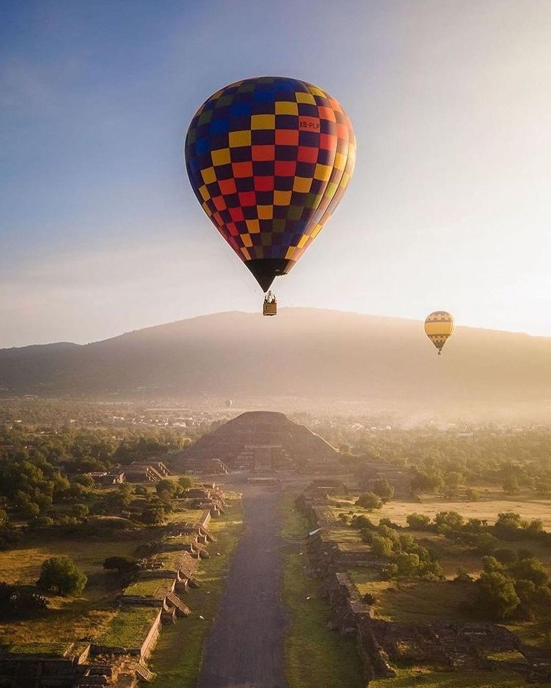 Vuelo Compartido con Transporte a Teotihuacán 1
